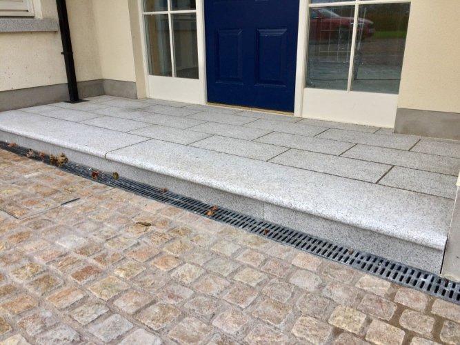 Silver Granite Paving 600 x 300