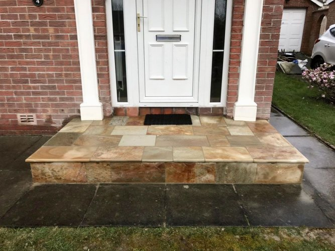Donegal Quartzite Steps With Bullnose Edge