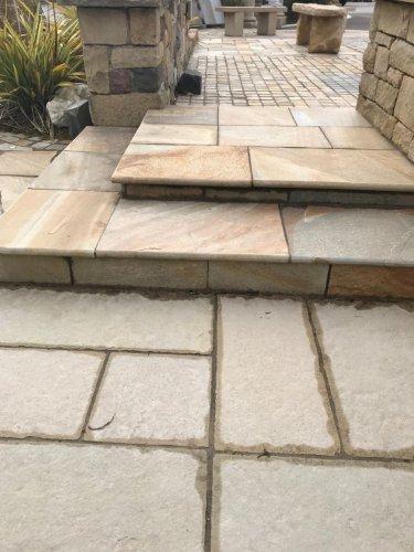 Donegal Quartzite Steps - Natural Riven Finish