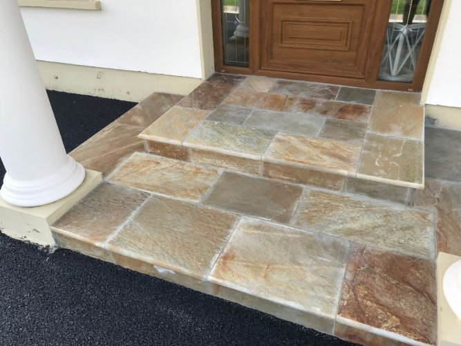 Gold Donegal Quartzite Sawn Step With Bullnose Edging