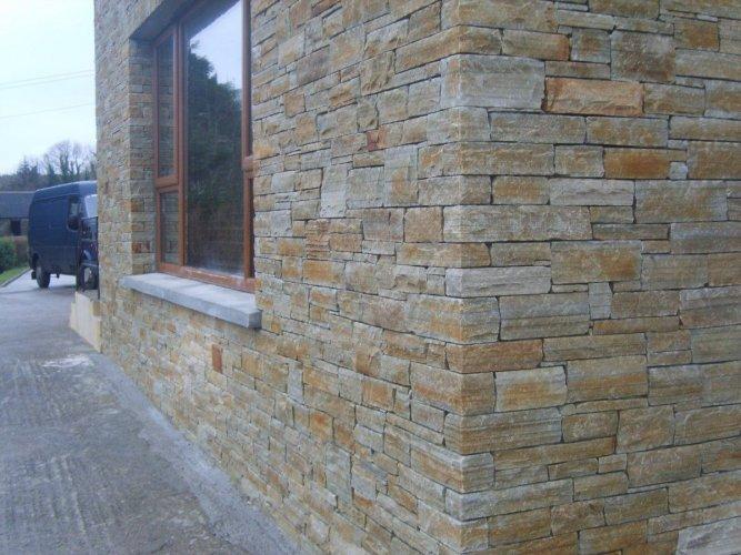 Gold Donegal Quartzite Stoneer - Corner