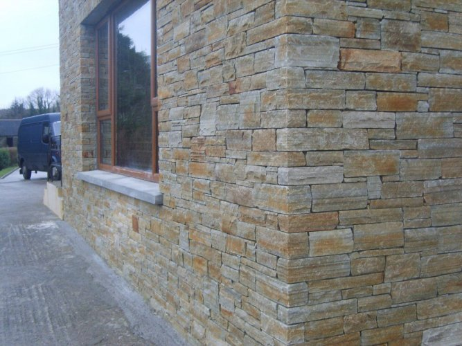 Gold Donegal Quartzite Stoneer - Flat