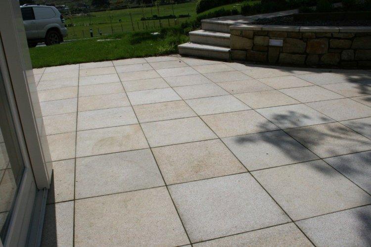 Gold Granite Paving 600 x 600