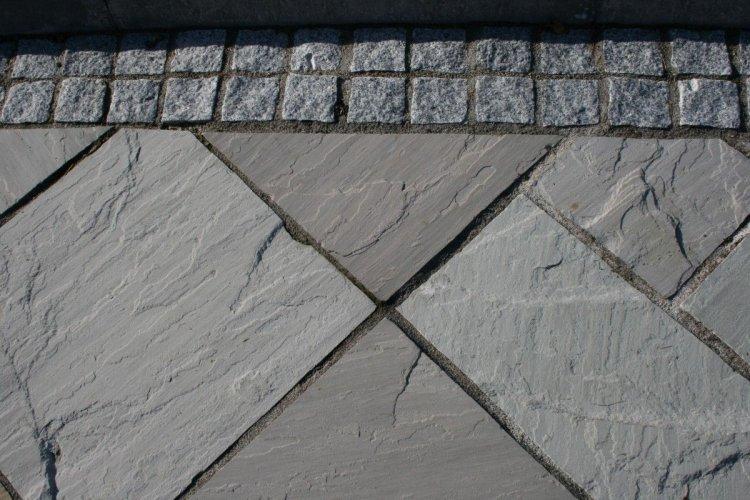 Silver Granite Setts 100 x 100