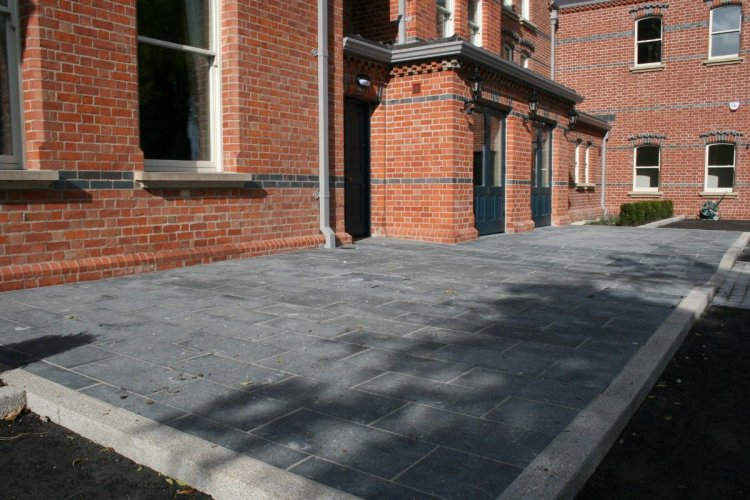 Irish Blue Limestone Paving - Flamed Finish 600 x 300mm
