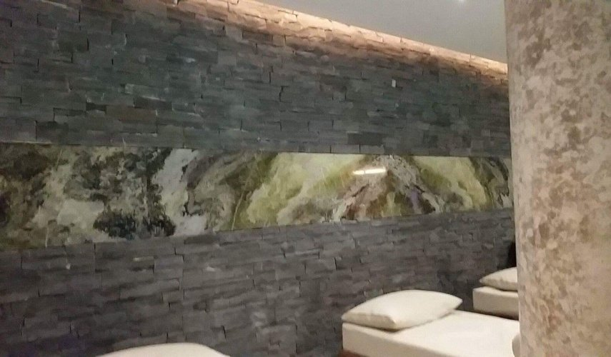 Liscannor Slate Feature Wall - Stoneer Cladding