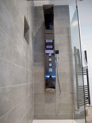 Moov Grey Porcelain - Wall Tiles : 1200 x 200 x 10mm