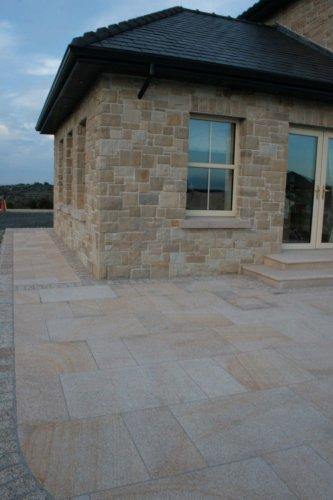 Gold Granite Setts 200 x 100