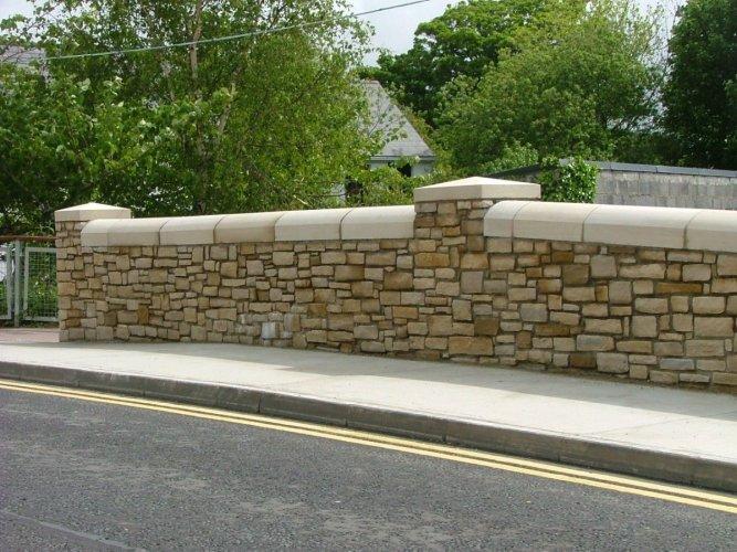 Sandstone Wall & Pillar Capping