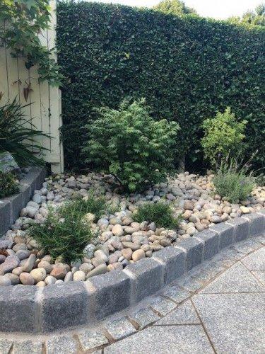 Silver Granite Setts 100 x 100 - Photo Credit: Lough Neagh Garden Company