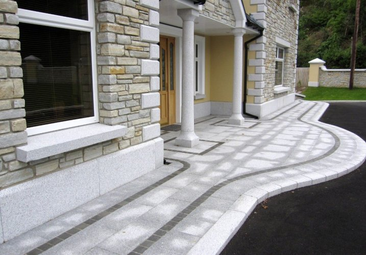 Silver Granite Plinth