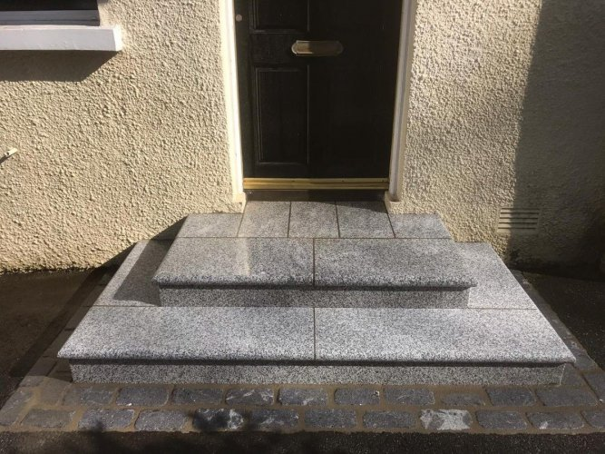 Silver Granite Step - Flamed Finish (Wet)
