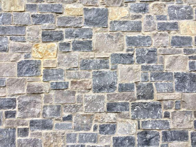 Mixed Blue Limestone & White Limestone Stoneer