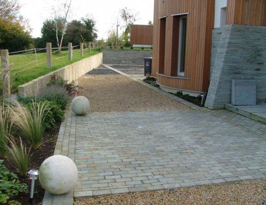 Grey Sandstone Setts 200 x 100