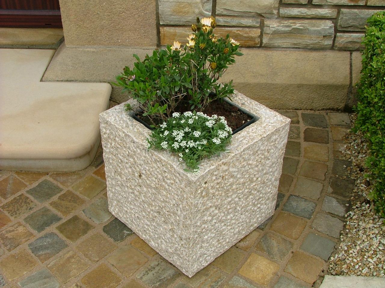 WIN Two Gold Granite Natural Stone Planters